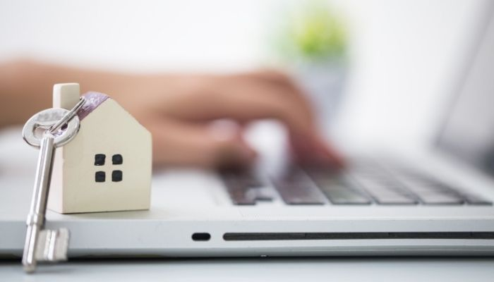 Selling Homes: Must-Know Tips for First-Timers
